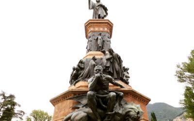 La Statua di Dante